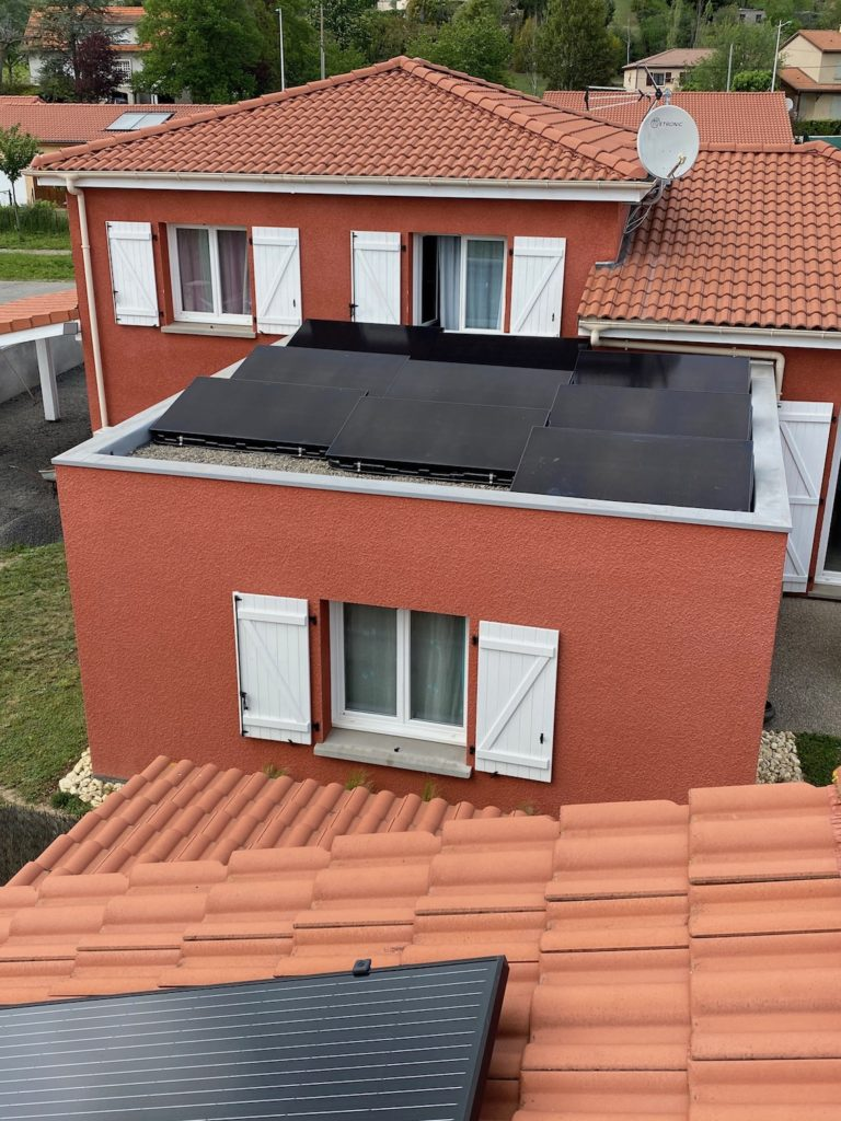 installation photovoltaïque toit plat issoire