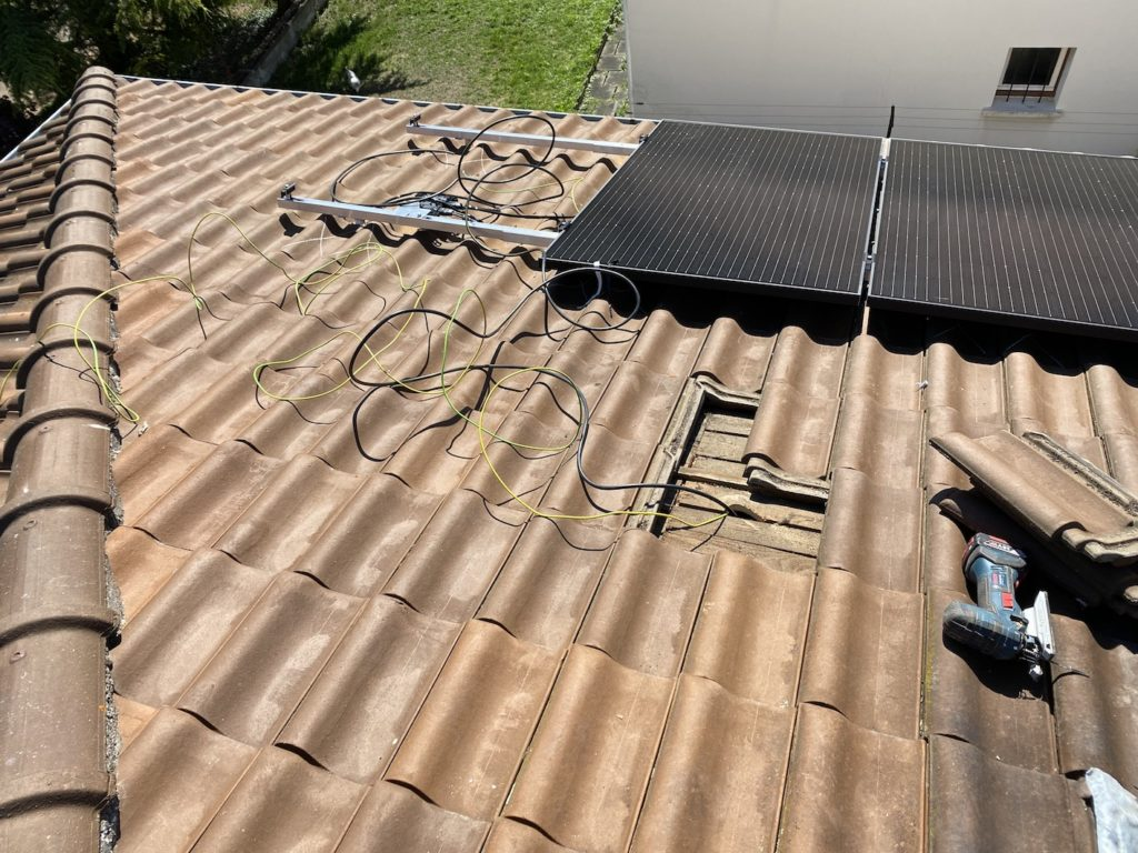installation photovoltaïque fils électriques